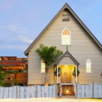 църква прекроена в модерен дом