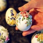 Украса на великденски яйца с плат