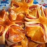 Коледна звезда от тесто и колбас
