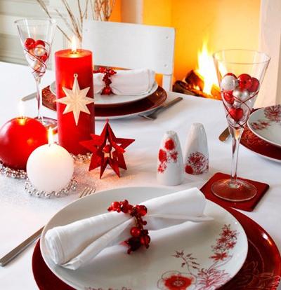 Аранжиране на текстилна салфетка за Коледа