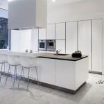 Модерна кухня в бяло (13)
