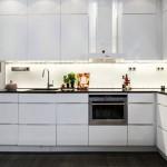 Модерна кухня в бяло (9)