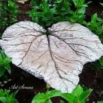 Градинска плоча с форма на листо