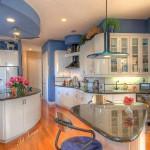 Кухня с акценти в синьо (3)