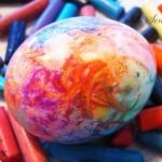 Оцветяване на великденски яйца с маслени пастели