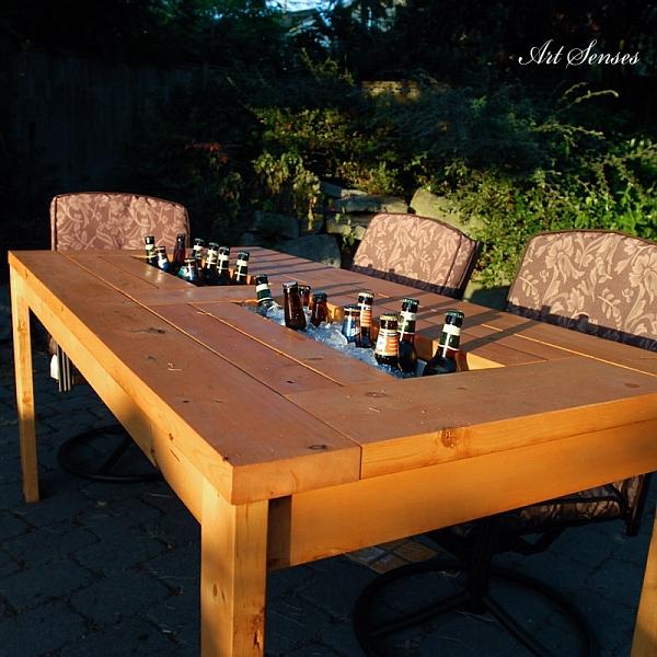 Градинска маса с хладилна камера