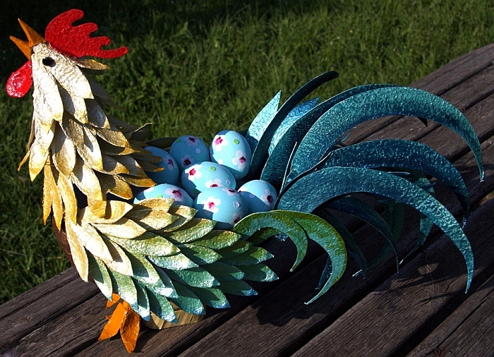 Великденско петле-кошничка от кутии за яйца
