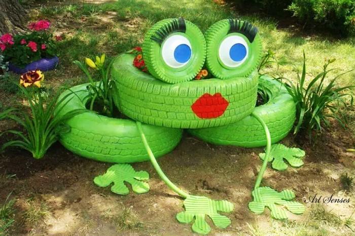 Идеи за градински декорации със стари гуми (13)