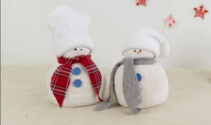 Направи си лесно снежен човек за коледна украса