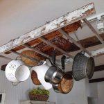 Нестандартна употреба на старата стълба в кухнята