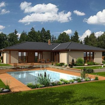 Красива и просторна едноетажна къща с три спални и басейн